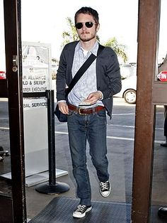 Elijah Wood is ready for Friday with this casual look.
