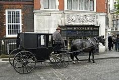 Typical carriage Eleanor and James take around London.