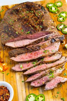 With this rockin' carne asada recipe, you flavor flank or skirt steak with a zingy homemade marinade, then grill it, slice it and serve it. Carne Asada Tacos Recipe, Carne Asada Marinade, Steak Marinade Recipes, Roast Beef Recipes, Marinated Steak, Chili Recipes, Mexican Food Recipes, Beef Recepies, Gourmet