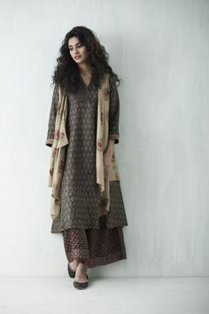 In the versatility of our range of Sustain apparel, we find a sea of… Salwar Designs, Blouse Designs, India Fashion, Ethnic Fashion, Women's Fashion, Indian Attire, Indian Wear, Indian Dresses, Indian Outfits
