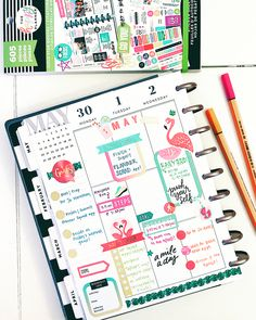 Happy Thursday #plannerbabes! Here's a look at my #afterthepen #midweekspread 💖 This week is shaping up to be a good one! I hope yours is…