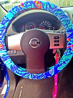 Love my Lilly Pulitzer steering wheel cover!