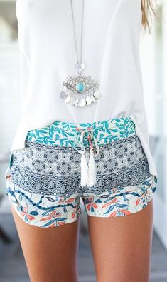 55+ Cute Summer Outfits Ideas for Exciting Summer https://montenr.com/55-cute-summer-outfits-ideas-for-exciting-summer/
