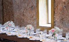 Bodas en tonos pastel #casafelix #sitges #santperederibes #pastelcolors #wedding #ceremonyflowers #weddingdecor #masia #sitgeswedding #weddingflowers #bodasenmasias fotos de Barcelonabryllup