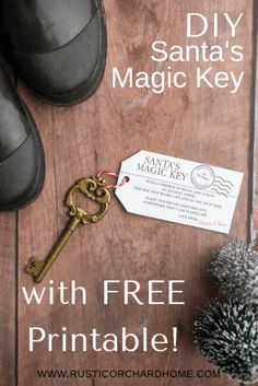 Create a new Christmas family tradition with Santa's Magic Key! Let me show you how to DIY your own key with a FREE printable and full instructions. Cabin Christmas Decor, Christmas Crafts To Sell, Christmas Farm, Diy Christmas Decorations Easy, Handmade Christmas Gifts, All Things Christmas, Creative Gifts, Creative Ideas, Diy Ideas
