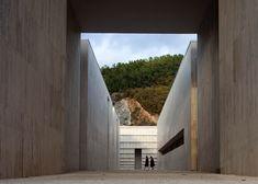 Andrea Dragoni, Ampliamento del cimitero di Gubbio, Italy, 2004