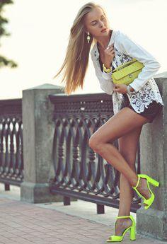 Furla  Clutches, Zara  Tacones / Plataformas and Stefanel  Pantalones cortos