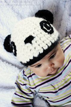 6 to 12m Baby panda bear hat in black and white. Handmade with love by Babamoon :)   *Can also be made in sizes Preemie to Adult and other colours on request!