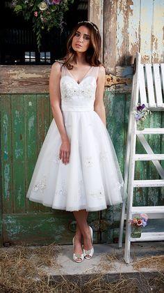 au mollet sans manches encolure en v dentelle avec applications organza robe de mariée