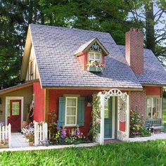 tiny house and oh so cute cottage Style Cottage, Cute Cottage, Red Cottage, Cottage Living, Cottage Homes, Shabby Cottage, Romantic Cottage, Living Room, Cottage Design