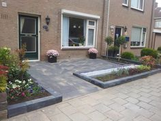 Strak moderne voortuin Holland House, Front Gardens, Paving Stones, Backyard, Patio, Outdoor Living, Outdoor Decor, Front Yard Landscaping, Walkway