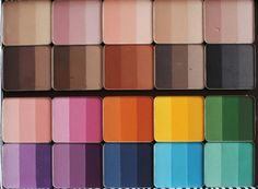 Detailed swatch on Inglot Rainbow eyeshadow