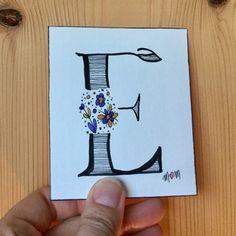 Pour la fête des mamans, des papas ou tout simplement pour faire plaisir... une jolie carte Initiale fait main avec amour!