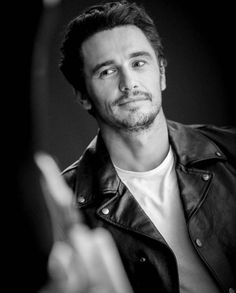 "82 mentions J'aime, 2 commentaires - All things James Franco (@francofeen) sur Instagram : ""He gazed at her alluringly and grinned. No further words were necessary.. @montsecastillo206…"""