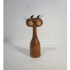 Vintage Mid Century Modern Wood Cat Figurine door AnytimeVintage, $24.00