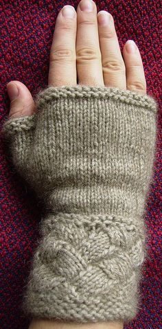 Basketweave Gauntlets by Isabeau Knits incorporates the entrelac technique to knit this fingerless glove design. You only need one skein of Zealana Kia Ora Rimu DK!