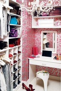 pink & gray fabulous closet design with pink wallpaper walk-in closet with white vanity, mirror and stool! Nice touch with the chandelier! Pink gray white walk-in closet colors. Dressing Room Closet, Closet Bedroom, Dressing Rooms, Dressing Table Inside Wardrobe, Bedroom Decor, Master Bedroom, Closet Redo, Bedroom Girls, Dressing Area