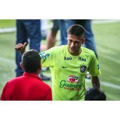. @neymarjr Training at Estádio Beira-Rio ⚽️ 09/06/2015