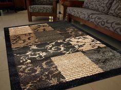 El #catálogo de #alfombras de #Sualsa cubre todo el abanico que cabe esperar de una gran empresa: #lanas, #vinilo, #acrílicas, #clásicas o #modernas, finas o gruesas,.. Una solución para cada #hogar.