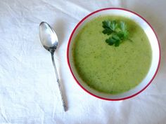 Zucchini soup - Sprouting Up - Vegan