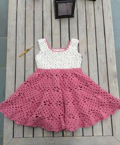 Little Girl Vintage style Dress Free Pattern