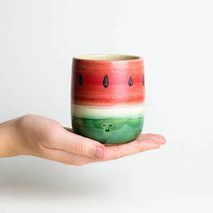 Keramik-Becher in Wassermelonenoptik, perfekt für den Sommer/ ceramic mug which looks like a water melon made by Noton-Keramik via DaWanda.com