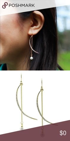 💐🆕CZ Crystal Pave Moon/Pearl Dangle CZ Crystal Pave Moon and Pearl Dangle. 18k gold plated and glass crystals, nickel and lead free.  These are gorgeous and a must for all my 💚 friends!! Stock photo used with permission. Neighbor in other pics! Yay for volunteers!  🐶🚭 t_jdesigns Jewelry Earrings