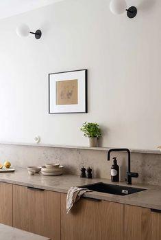 Träkök | Bucks and Spurs | Sverige #kitchendesign #kitchen Kitchen Room Design, Kitchen Dinning, Modern Kitchen Design, Home Decor Kitchen, Interior Design Kitchen, New Kitchen, Home Kitchens, Luxury Kitchens, Modern Design