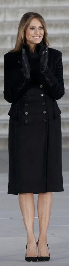 President Donald Trump's wife wears blue Ralph Lauren dress to husband's inauguration ceremony, while first daughter Ivanka Trump wears Carolina Herrera gown to inauguration celebration. Donald And Melania Trump, First Lady Melania Trump, Donald Trump, Melania Trump Inauguration, First Lady Of America, Melania Knauss Trump, Stylish Girl, Fashion Pictures, Her Style