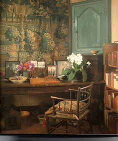Interior at Sissinghurst Manor, home of the legendary Vita Sackville-West. I too, would be inspired at this desk...