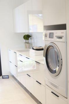 40 Amazing Laundry Room Design Ideas that Will Make You Amazed Laundry Room Tile, Modern Laundry Rooms, Laundry Room Inspiration, Laundry Room Organization, Laundry Room Design, Interior Design Living Room, Kitchen Decor, Design Ideas, Amazing