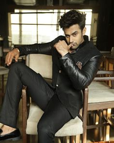 Tv Actors, Actors & Actresses, Sunshine In My Pocket, Pakistani Movies, Estilo Glamour, Chocolate Boys, Look Man, Charming Man, My Only Love