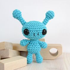 Ravelry: Small alien pattern by Kristi Tullus