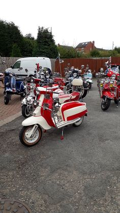(327) Twitter Lambretta Scooter, Vespa Scooters, Scooters For Sale, 3d Printer Projects, Scooter Girl, Travel Humor, Pedal Cars, Transportation Design, Celebrity Weddings