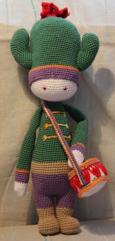 CARL the cactus made by Véronique F. / crochet pattern by lalylala