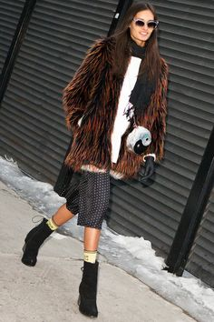 Pin for Later: These 30 Easy Outfit Ideas Are Calling Your Name Make It About the Texture Whether you reach for fringe or something furry, make today the day you make a statement with texture.