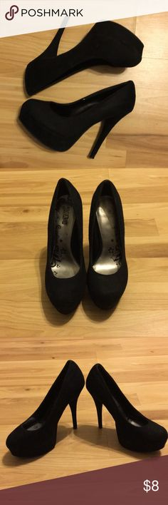 Black Suede Pumps size 7 Black Suede Pumps In good condition Shoes Heels