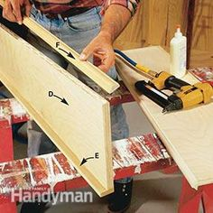 No complex wood joints, no tricky techniques—simply glue, screw and nail the parts together Woodworking Tools For Beginners, Diy Woodworking, Woodworking Projects Plans, Pallet End Tables, Wooden Pallet Table, Bookcase Plans, Built In Bookcase, Bookcases, Home Study Rooms