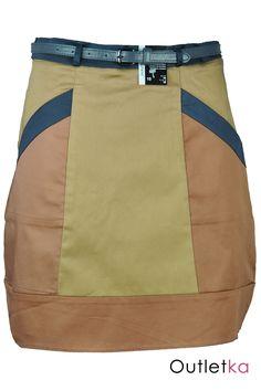 Nowa spódnica firmy Atmosphere wielokolorowa (odcienie koloru beżowego, łososiowego, szarego). Spódnica trapezowa, rozszerzana do dołu. Spódnica posiada po bokach kieszenie. Z tyłu zasuwana na kryty zamek. Skórzany siwy pasek (widoczny na zdjęciach) gratis!!!