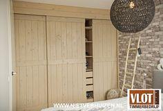 Houten schuifdeuren Divider, Garage Doors, Outdoor Decor, Room, Furniture, Website, Home Decor, Bedroom, Decoration Home
