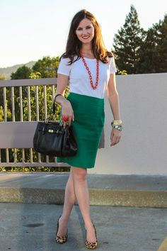 Green pencil skirt, white t-shirt, leopard heels