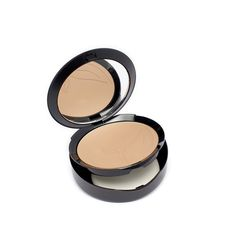 PUROBIO - Compact Foundation - 05 - Light and Controllable Coverage - Organic, Vegan, Nickel Tested, made in Italy. Yumi Bio Shop Exclusive Product - A free Sample of one of our products with every shipment!. This compact foundation, pret à porter and extremely light on the skin, evens your complexion without feeling heavy. Its imperceptible texture makes it perfect for normal to oily skin. A matte finish thanks to mica and silica present in the formula. The formula is enriched with vigna...