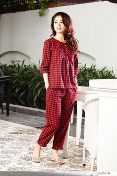 đồ bộ mặc nhà bằng vải - Google Search Night Suit For Women, Suits For Women, Clothes For Women, Baby Dress Design, Suit Pattern, Sewing Lingerie, Pajamas Women, Fashion Sketches, Get Dressed