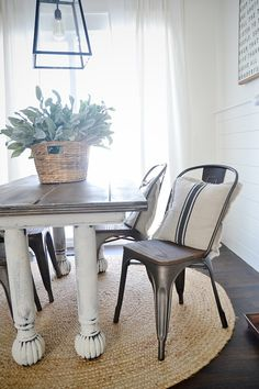 New Farmhouse Dining Chairs Diy Grain Sack 33 Ideas Metal Kitchen Chairs, Farmhouse Kitchen Tables, Farmhouse Dining Chairs, White Dining Chairs, Dining Chair Set, Dining Room Table, Table And Chairs, Accent Chairs, Rustic Farmhouse