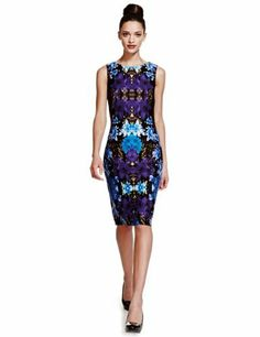 This design is similar to her Prabal Gurung print dress. Biggest distinction-hers had sleeves. Limited Edition Floral Bodycon Dress-Marks & Spencer