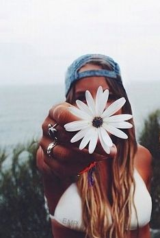 Flower | Summer time | Cap | Bikini | Photography | Ideas