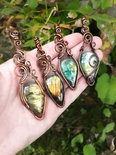 These labradorite crystals are wrapped snug in antiqued and polished copper wire. I love the autumn colors shining through in this photograph! Wire Necklace, Wire Jewelry, Handmade Jewelry, Necklaces, Wire Wrapping Crystals, Wire Art, Gothic Jewelry, Wire Wrapped Pendant, Metal Chain