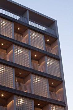Niceto Vega 5924 es un conjunto de viviendas de 16 unidades en un lote ubicado en el barrio de Palermo, área en pleno desarrollo de la ciudad de Buenos Aires.