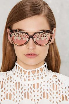 Linda Farrow x Matthew Williamson Removable Flip Aviator Shades | Shop Accessories at Nasty Gal!