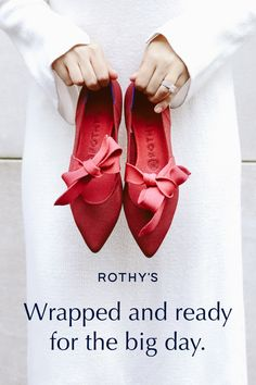 Red Shoes, Me Too Shoes, Happy Threads, Bow Sneakers, White Sneakers, Wedding Shoes, Casual Wedding, Lace Wedding, Wedding Dress
